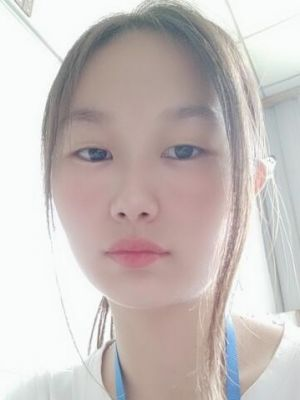 LuLu Xie,  shenzhen interpreter with 5 years worked in Huawei as technical translator